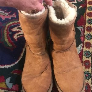 Ugg boots woman's size 8 nicely used